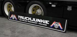 MUDFLAP - TRUCKJUNKIE HOLLAND FLAGGS  - THE ONLINE TRUCKSHOP 250 X 40/30